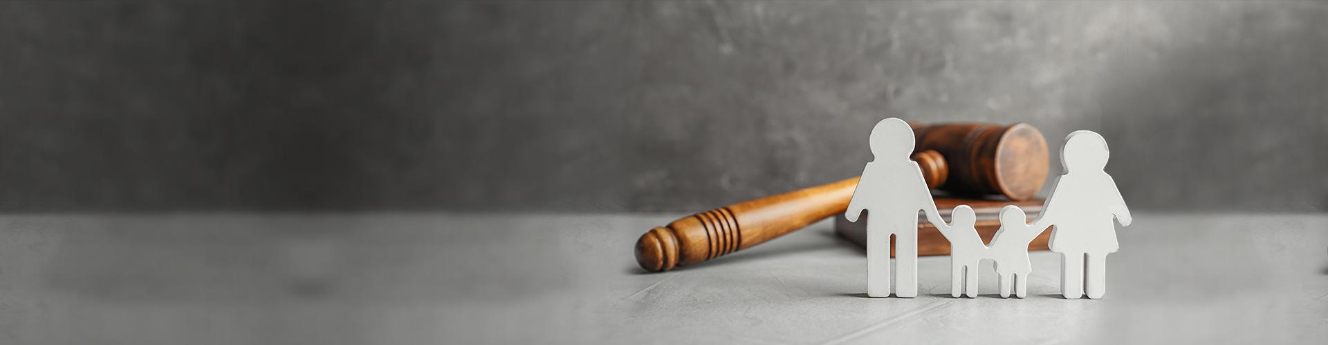 адвокат семейный стоять